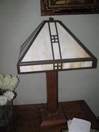ARTS AND CRAFTS STYLE LAMP