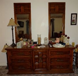 Triple dresser with two mirrors