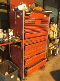 Snap-on tool box plus all it's contents (sold separately) lots of snap on tools plus craftsman of the mechanical must !!!!!!