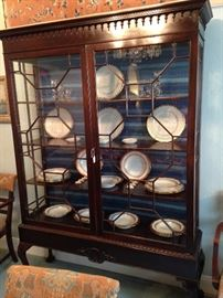 Exceptional antique Chippendale breakfront with wonderful display area