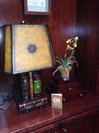 "Good looking ""book lamp"""