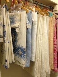 Lovely assortment of fine table linens