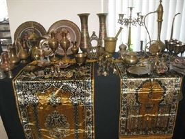 LARGE VARIETY OF BRASS INDIA ITEMS