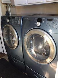 Back PorchSamsung Washer DryerIMG 5496