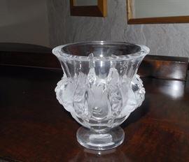 Classique Lalique Dampiere vase