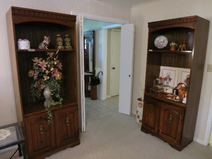 Book Cases/Cabinets