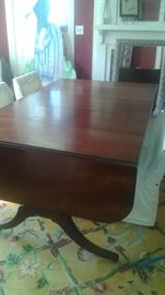 Antique DUNCAN PHYFE Table with 5 leaves!  Man, this table could sit a small army!