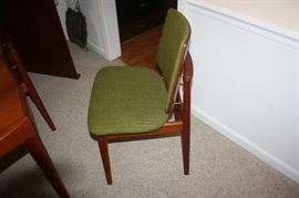 Side view of chair with out arms