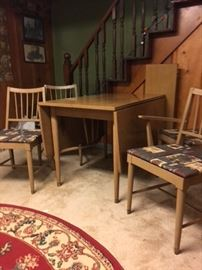 Great mid-century drop leaf table