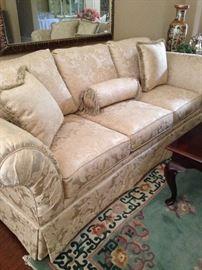 Ecru 3-cushion sofa