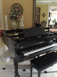 Griffith  Black lacquer baby grand Piano