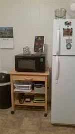Microwave and small kitchen appliances