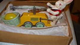 lionel bunny car with track in very nice condition