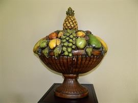 Wonderful wooden bowl of fruit