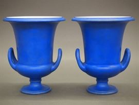 Pair of Wedgwood urns, 19th century.