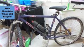 Trek Mountain Track 850 bicycle