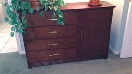 http://www.ebay.com/itm/Mid-Century-Modern-Chest-of-Drawers-Your-shipper-or-Local-Pickup-RM001-/112487902094