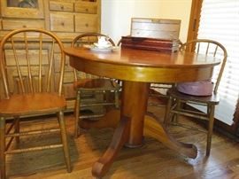 Pedestal table 5 chairs