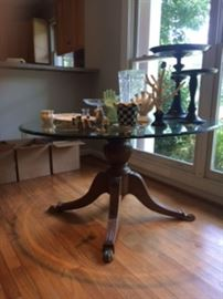 claw foot pedistal table w/ beveled glass top