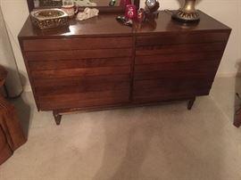 American of Martinsville Mid Century Dresser with mirror, very nice!