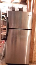 Stainless steel front / black sides Fridgidaire