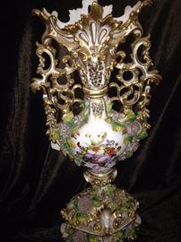 Impressive Old Paris floral ewert vase (1 of 2)