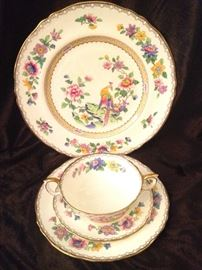 Striking Staffordshire fine bone china (also has cups & saucers)