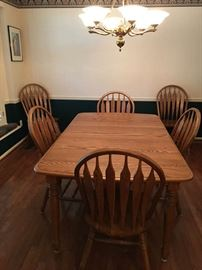 Amish made table that would look great in dining Room or Kitchen.