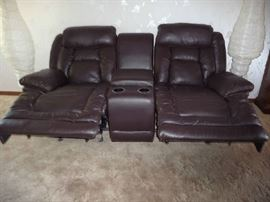 RECLINERS UP