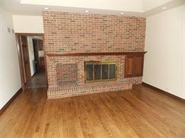 fireplace door mantle