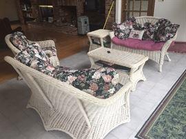 sunroom wicker furniture