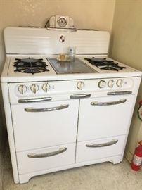 Vintage Wedgewood stove $400
