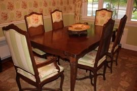 Antique Look Dining Table with 6 Chairs