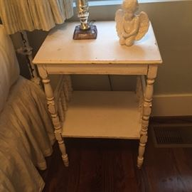 Shabby chic end table $35