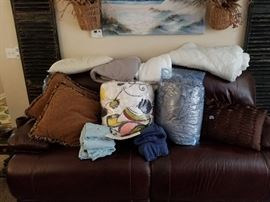 Name Brand Blankets Comforters