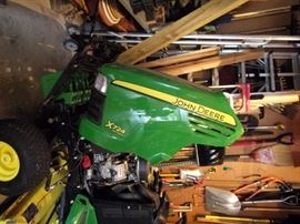 2005 John Deere X724 LOW HOURS Wide deck, Bagger and much more. Details to be updated. This was purchased and maintainence provided through Reynolds Lawn & Leisure in Shawnee, KS $6000.00 cashiers check (New cost $17,000)