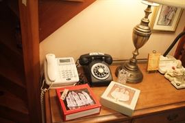 ANTIQUE BAKELITE TELEPHONE, LAMP