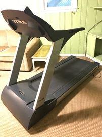 TRUE 700 soft system treadmill