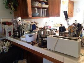 kitchen, Appliances