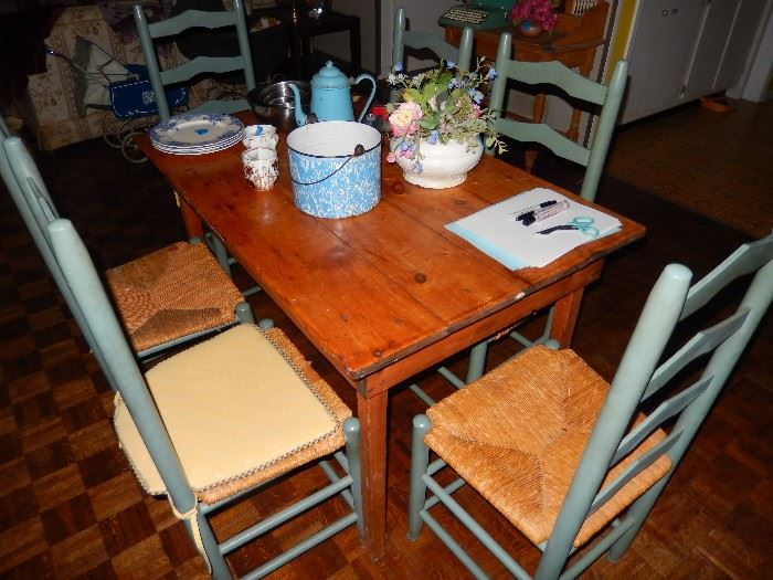 Old Pine table with 6 chairs