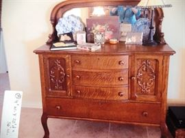 Beautifully carved Oak dresser with mirror