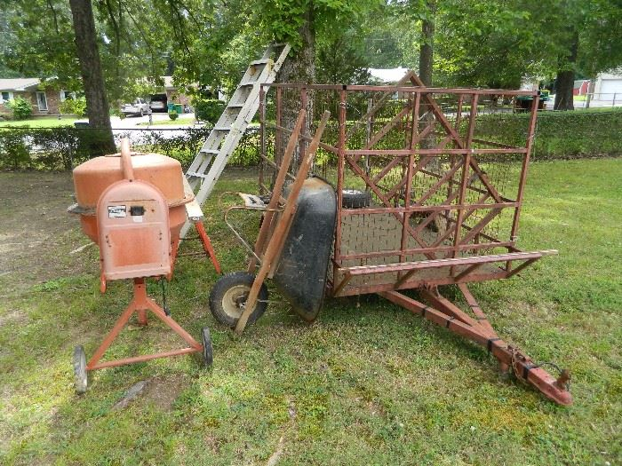 Outdoor items, wheelbarrow