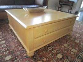 Ethan Allen coffee table with4- drawer storage