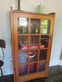 Oak Mission Style cabinet-unmarked with beautiful butterfly joint details