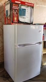 Mini Refrigerator/Freezer 2 years Old