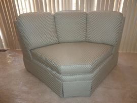 Corner sectional piece