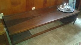 TWO TONED COFFEE TABLE WITH MATCHING END TABLE, VERY COOL VINTAGE  MID CENTURY.   this will polish up nicely!