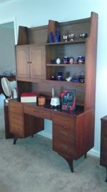 Mid-Century Vintage Furniture. nice clean straight lines.