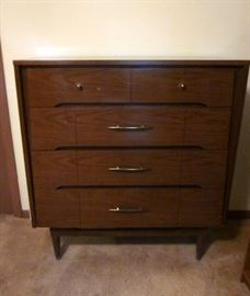 "Mid Century Modern 5-drawer chest by Kroehler.  38"" wide, 18"" deep, 40"" tall."