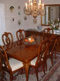 Nice dining table and chairs